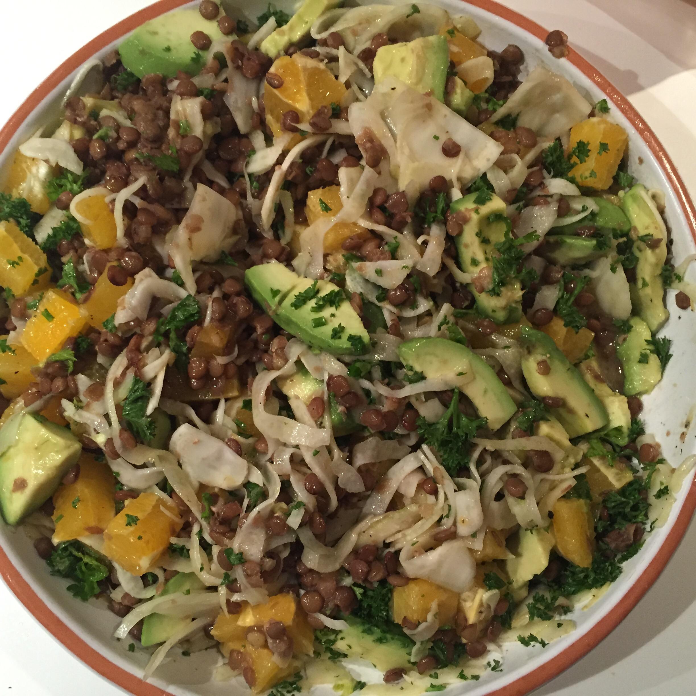 Salade met venkel, sinaasappel, linzen en avocado