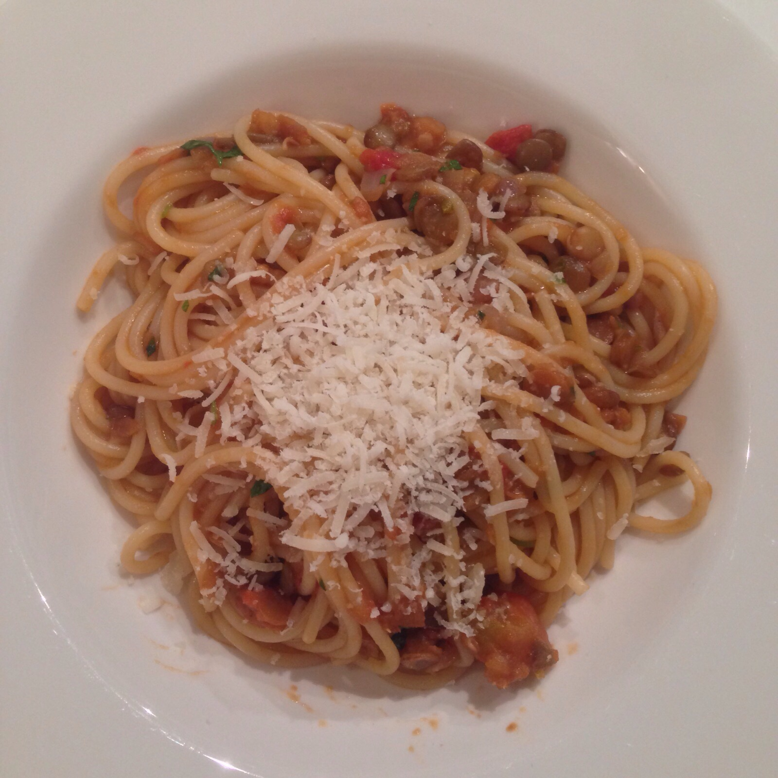 Spaghetti met linzenragout