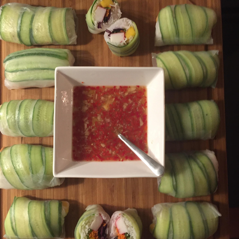 Vietnamese springrolls met groente, surimi en mango
