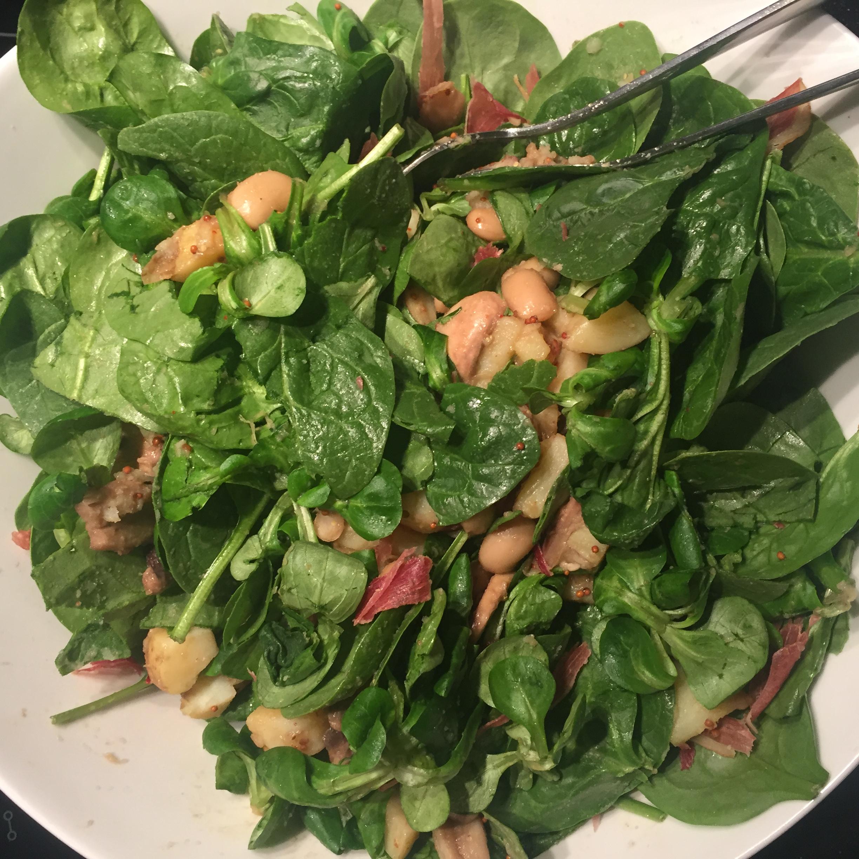 Salade met spinazie en aardappel