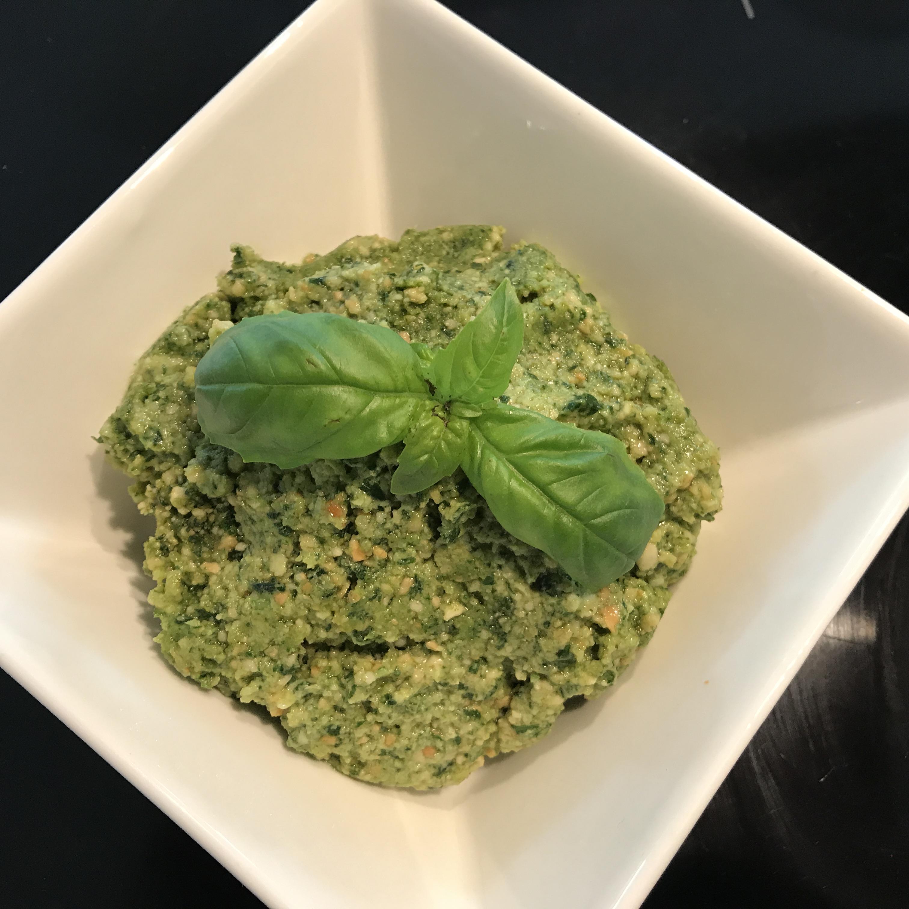 Pesto met basilicum en cashewnoten zonder kaas
