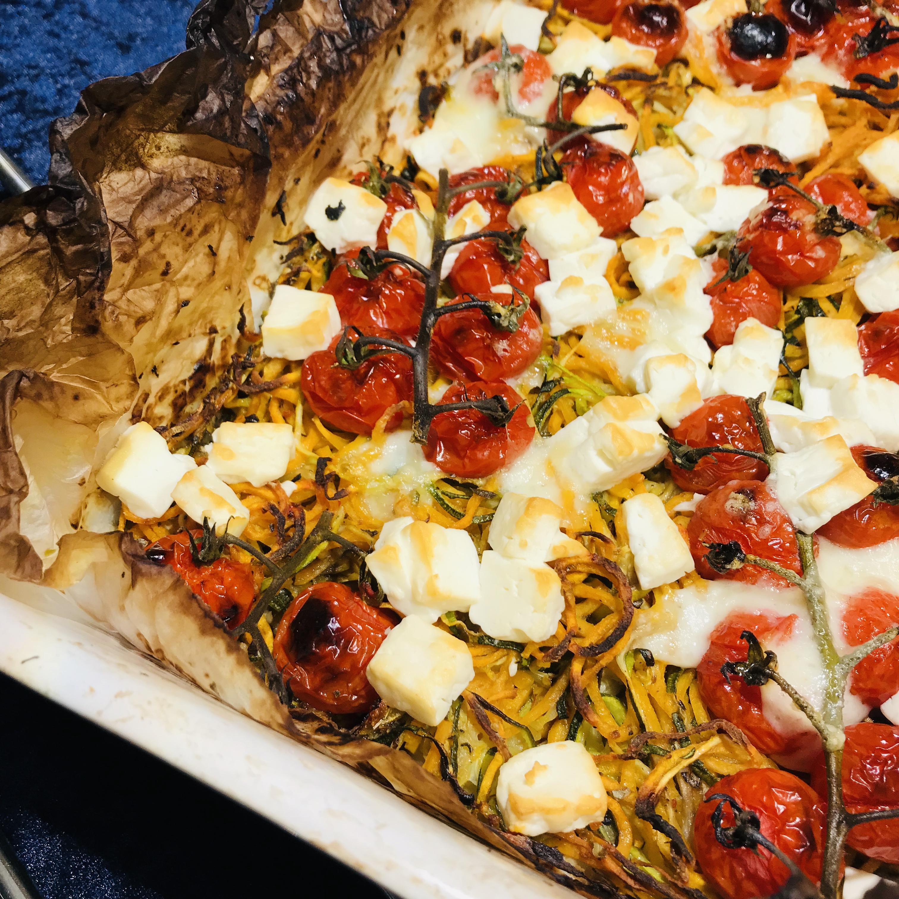 Courgette- en zoete-aardappelspaghetti uit de oven