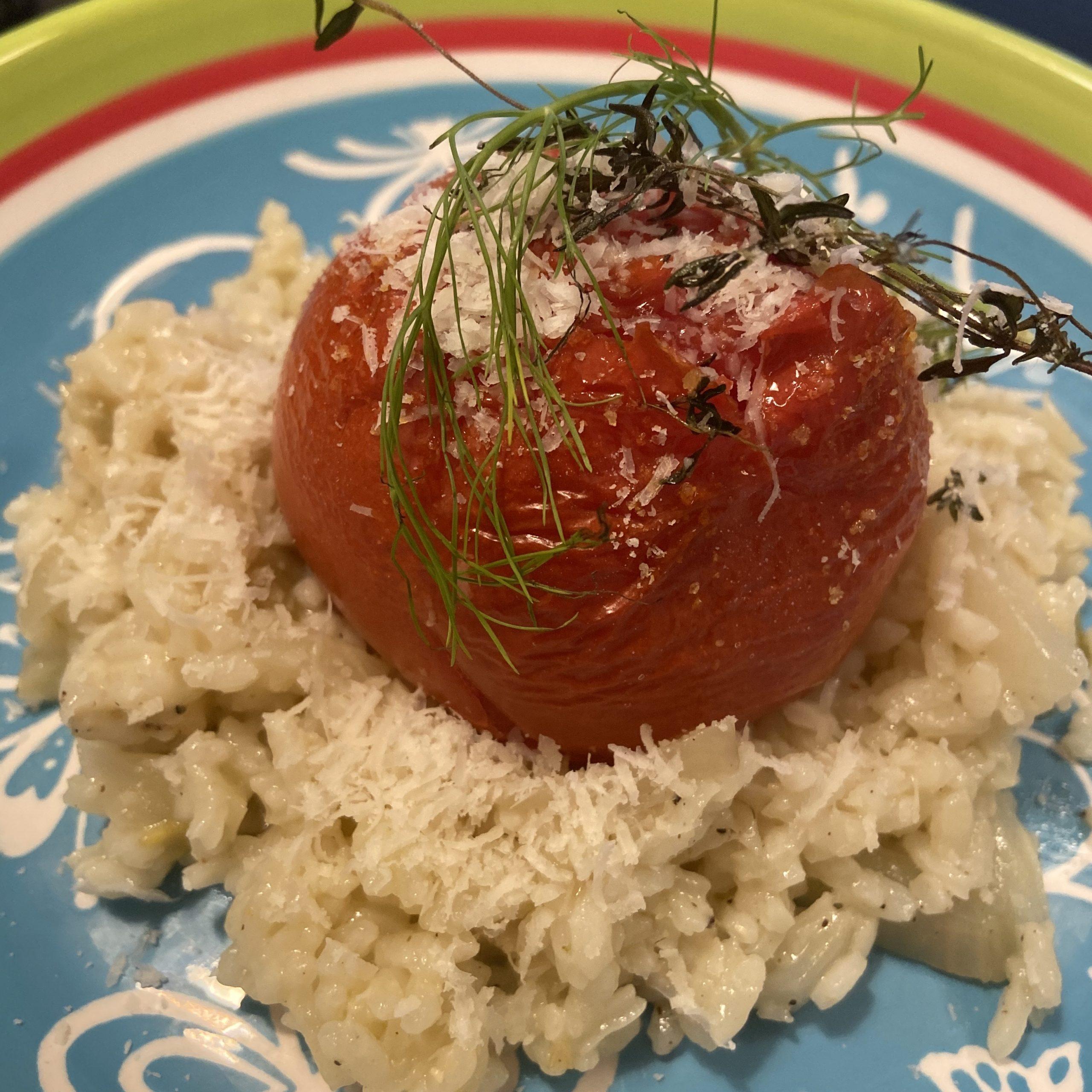 Risotto met geroosterde tomaat,  zoete venkel, krokante tijm, knoflook, vermout, Parmezaan