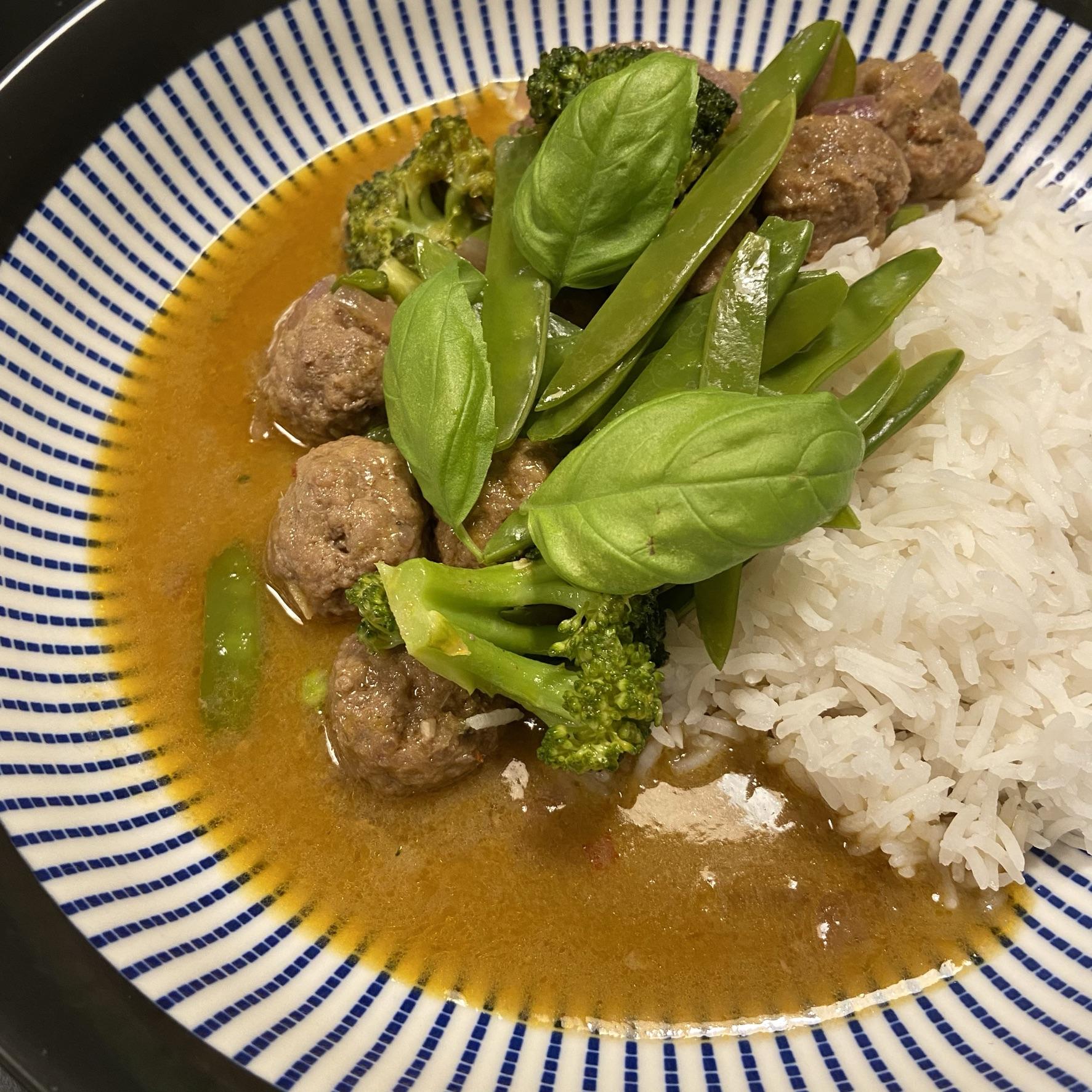 Groene curry met gehaktballetjes